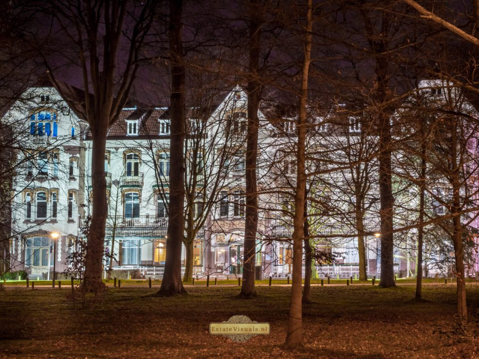Gemeentehuis Oegstgeest bij nacht fotograaf Jarno van Werkhoven